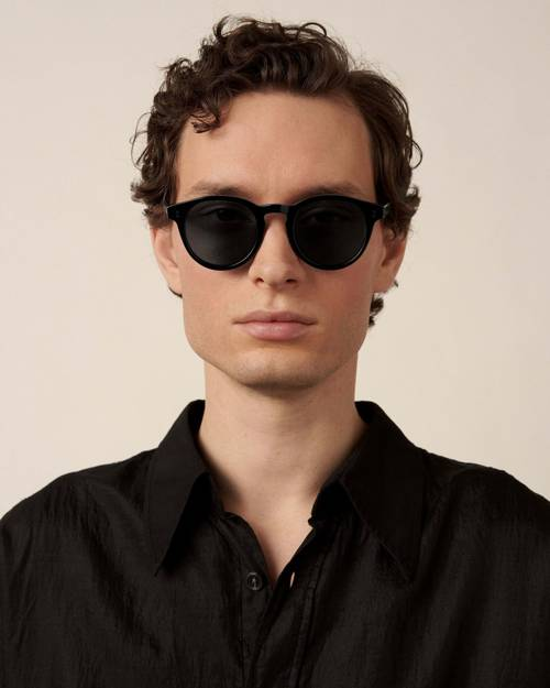 03 BLACK SUNGLASSES CHIMI EYEWEAR